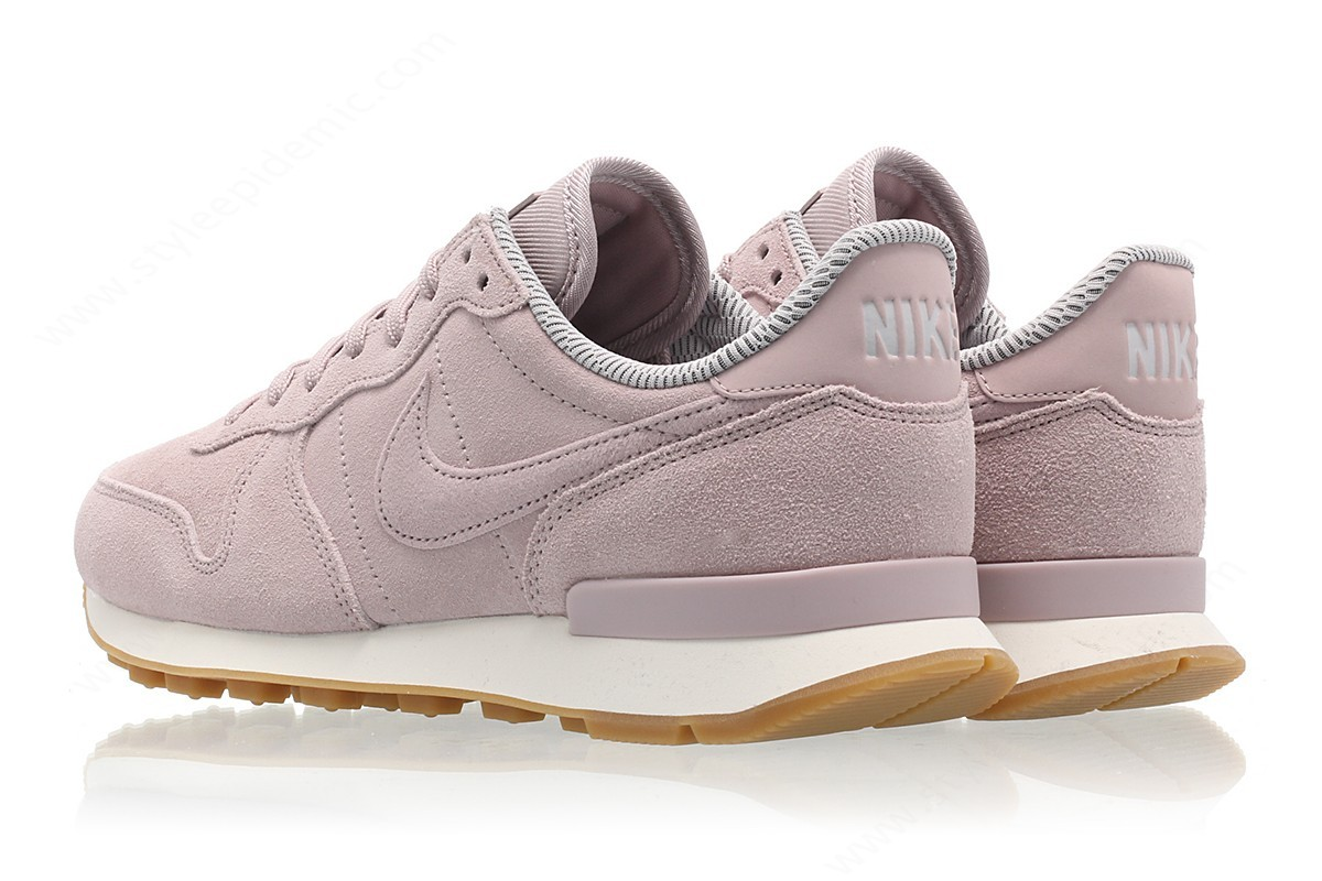 Womens Nike Wmns Internationalist Se Particle Rose/particle Rose-Vast Grey - -1